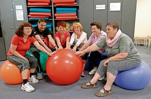 Sportgruppe Hilfe bei Asthma im Sozialen Zentrum Suhl im CCS (Foto: Sabine Gottfried, Wochenspiegel)